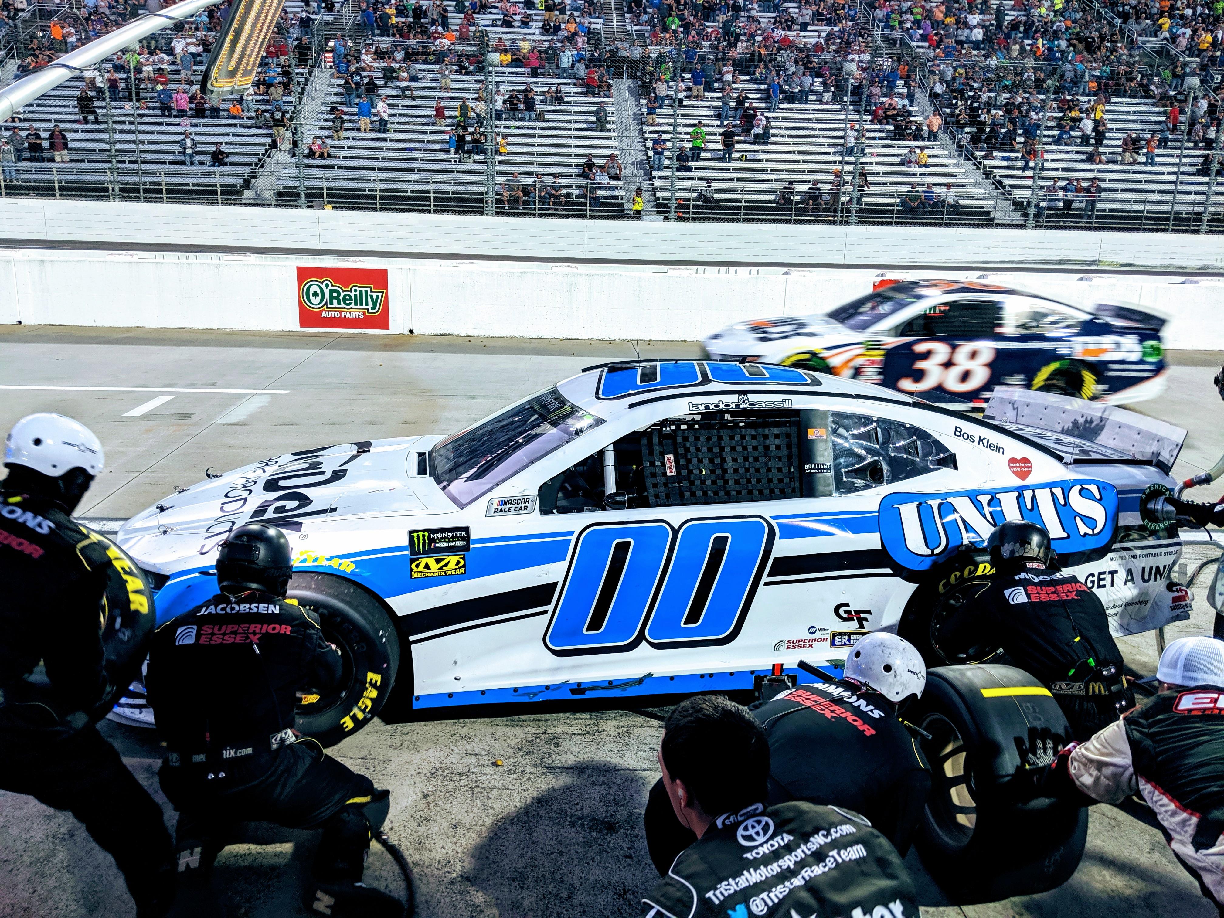 UNITS Moving & Portable Storage Announces NASCAR Sponsorship
