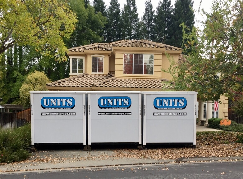 3 UNITS Container on driveway